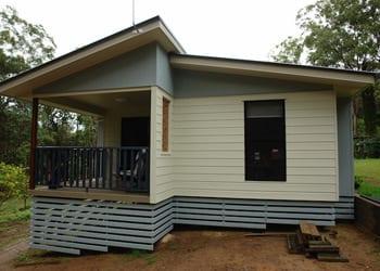 hoek_modular_homes_sloping_modular_homes_brisbane_blue_white