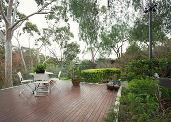 hoek_modular_homes_sloping_modular_homes_brisbane_deck_view