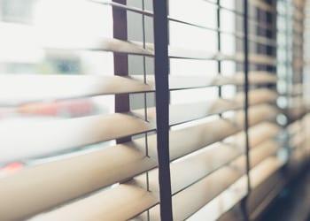 choosing_extras_hoek_modular_homes_venetian_blinds.jpg