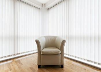 choosing_extras_hoek_modular_homes_verticle_blinds.jpg