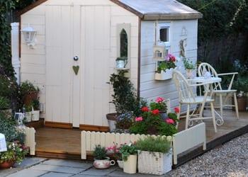 hoek_modular_homes_backyard_cabin_garden_house.jpg