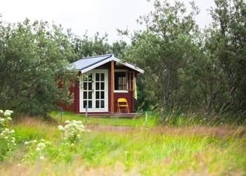 hoek_modular_homes_small_home_trend_house_home_grass_plain.jpg